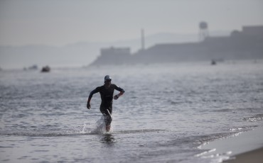 5 ways open water swimming is different to the pool
