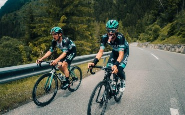 How the pros fuel for the Tour de France